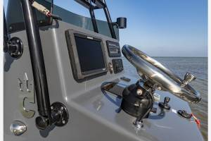 catalyst-boatworks-control-panel-from-the-side